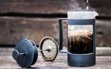 How to use a French press?